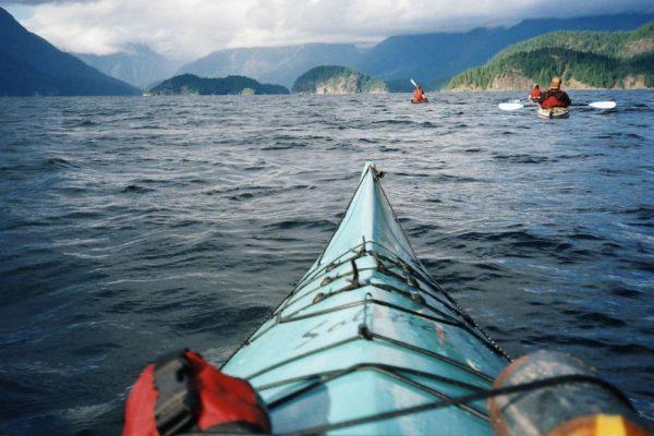 kayaking desolation sound mountains islands