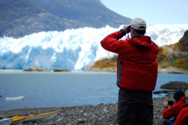 kayak patagonia glacier viewing